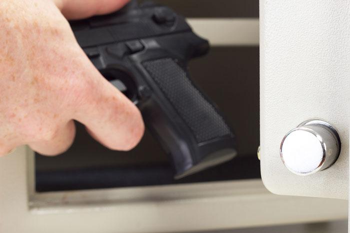 waffenschrank-pistole