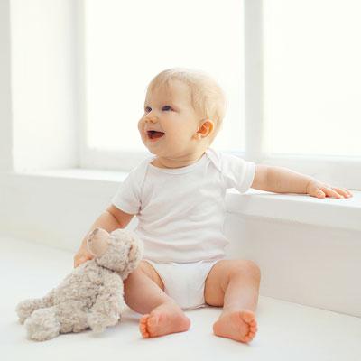 haus und wohnung babysicher machen ratgeber und checkliste safetyguide. Black Bedroom Furniture Sets. Home Design Ideas